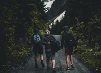 Top 10 Best Hiking Apps for Android for A Safe Hiking Trip