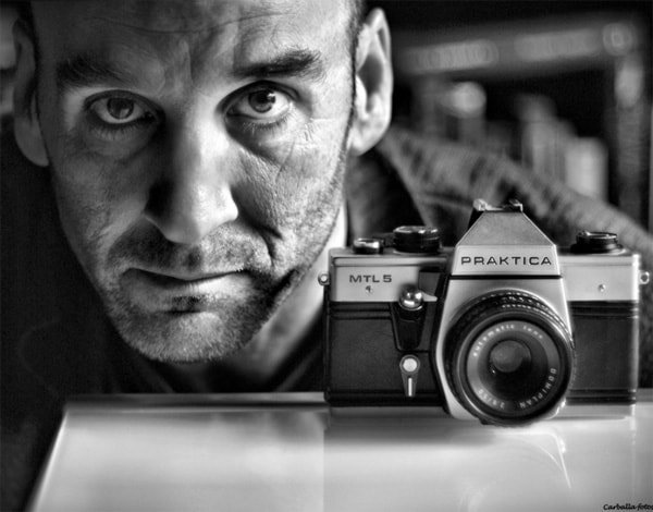 self portrait photography ideas with camera