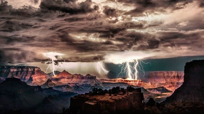 How To Photograph Lightning: 10 Tips To Be A Pro