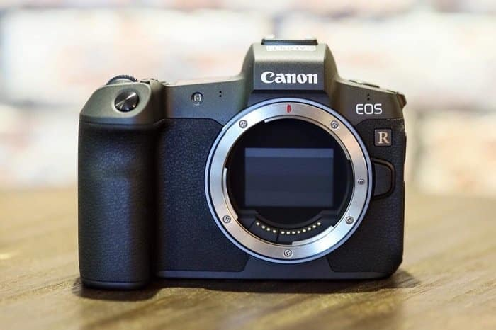 mirrorless vs dslr sensor cover